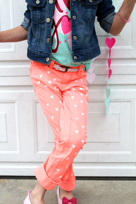 DIY-Neon-Painted-Heart-Jeans