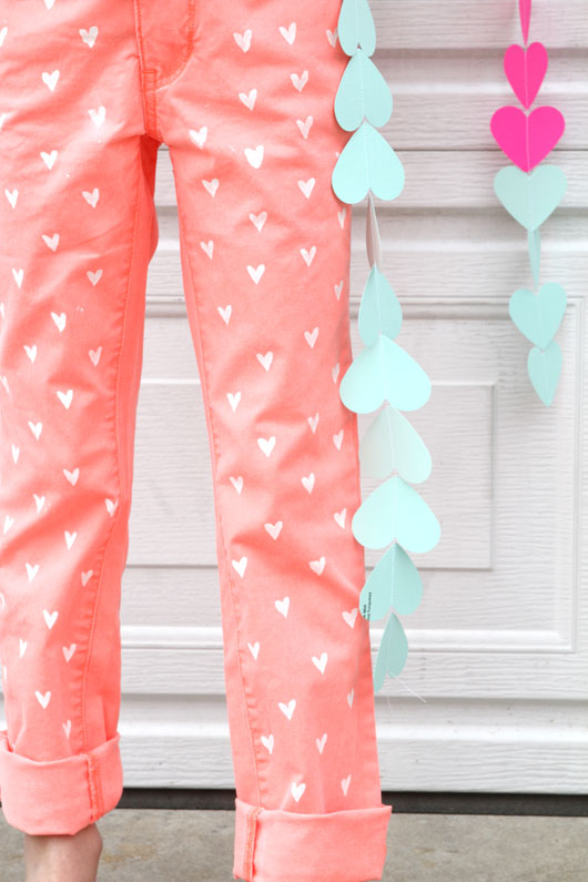 DIY-Painted-Heart-Jeans-2