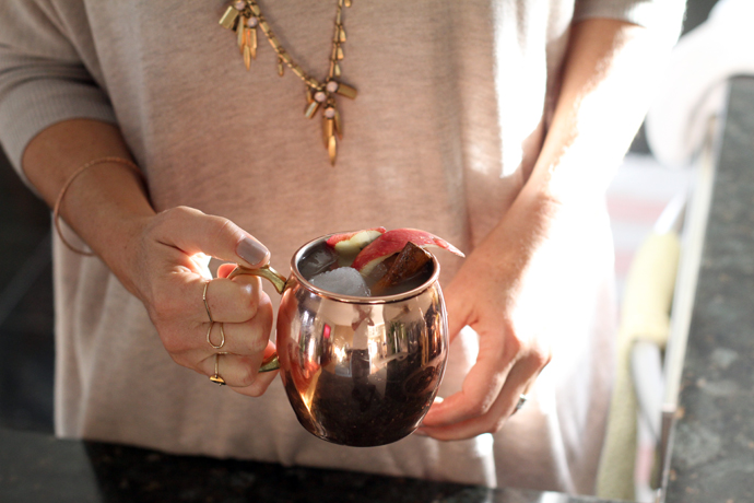 apple-cider-moscow-mule in a copper mug