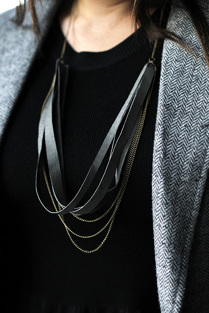 woman wearing the diy learther chain necklace