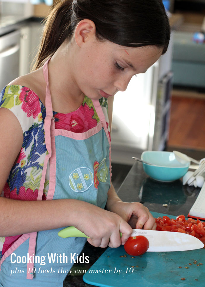 Cooking-with-kids-plus-10-foods-they-can-master-by-10
