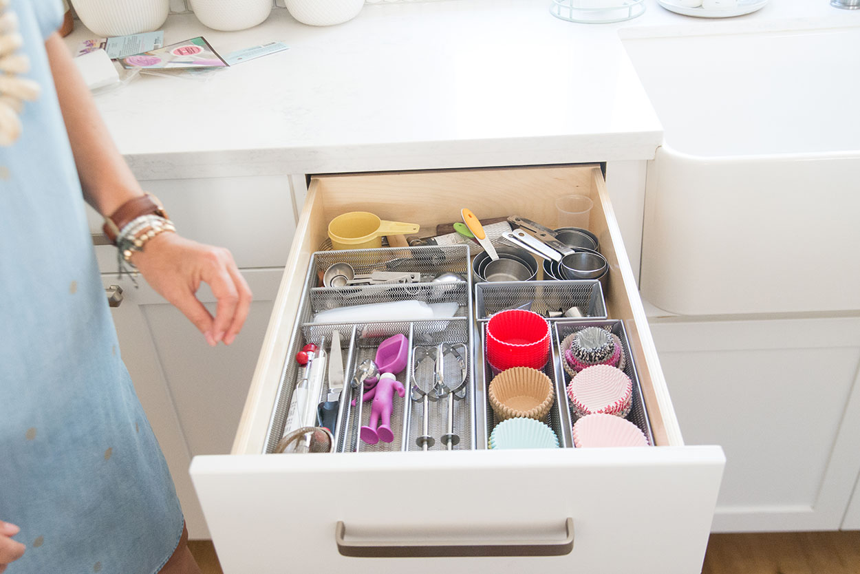 simple change number 10, organized kitchen drawer