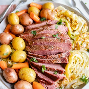 corned beef and steamed cabbage, potatoes and carrots